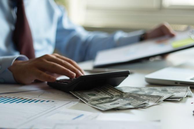 Accounting-calculator-cash